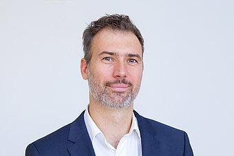 Prof. Dr. Oliver Schenker